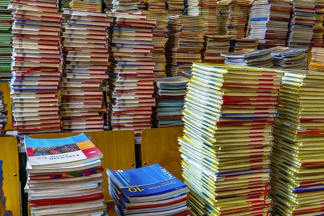 books-2547179_640